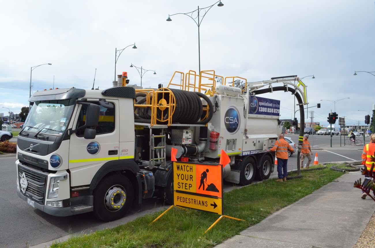 CSA fleet - heavy vacuum truck front